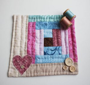mini quilt log cabin